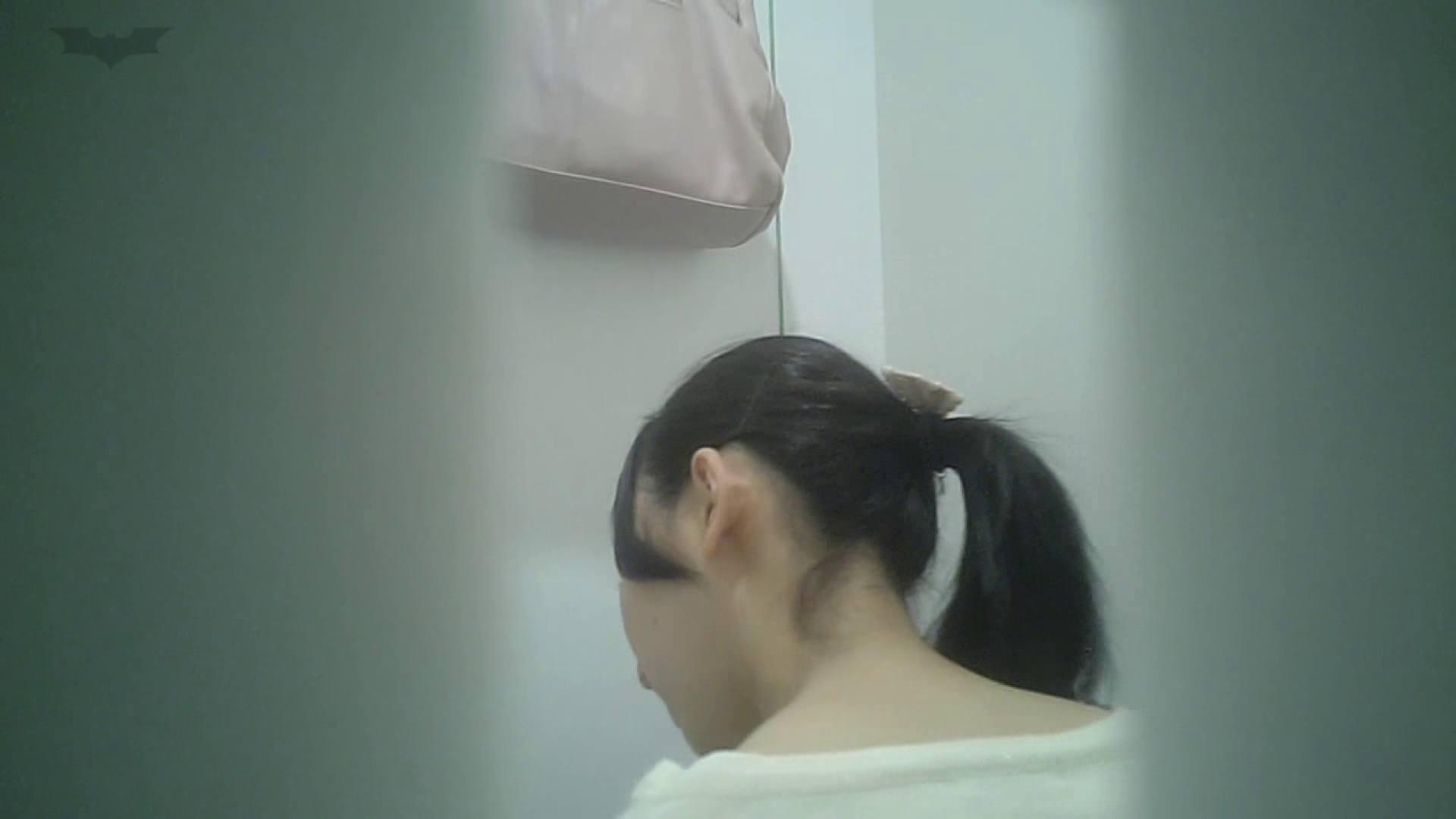 有名大学女性洗面所 vol.40 ??おまじない的な動きをする子がいます。 投稿物  22連発 12