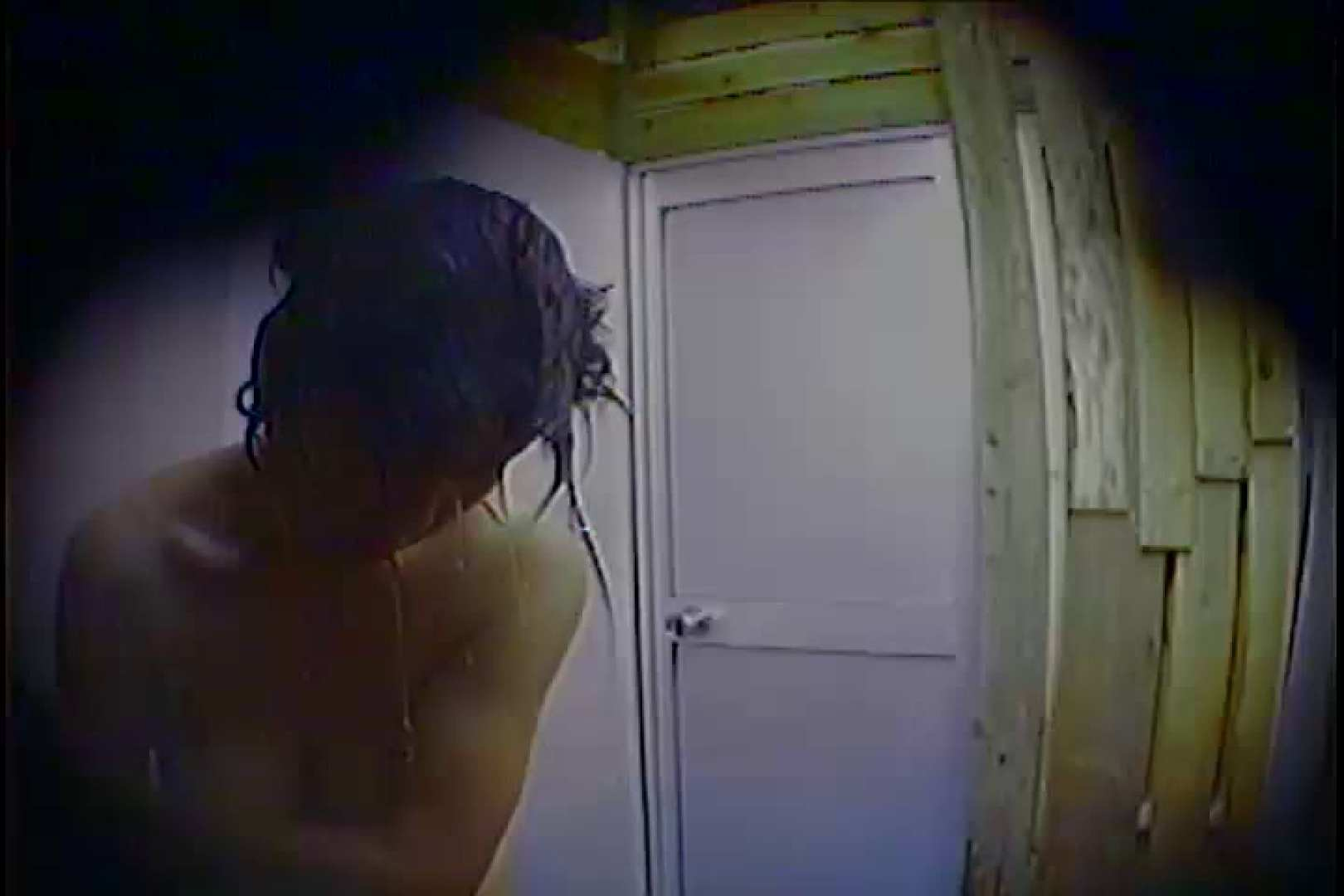 海の家の更衣室 Vol.53 いやらしいOL 盗撮画像 66連発 2