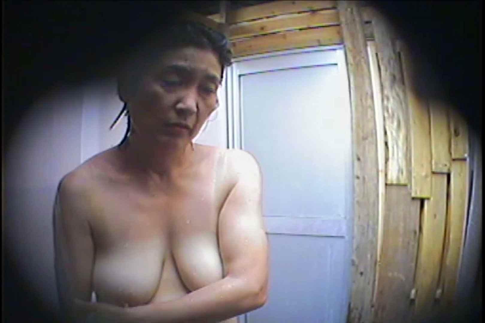 海の家の更衣室 Vol.53 シャワーシーン セックス画像 66連発 19