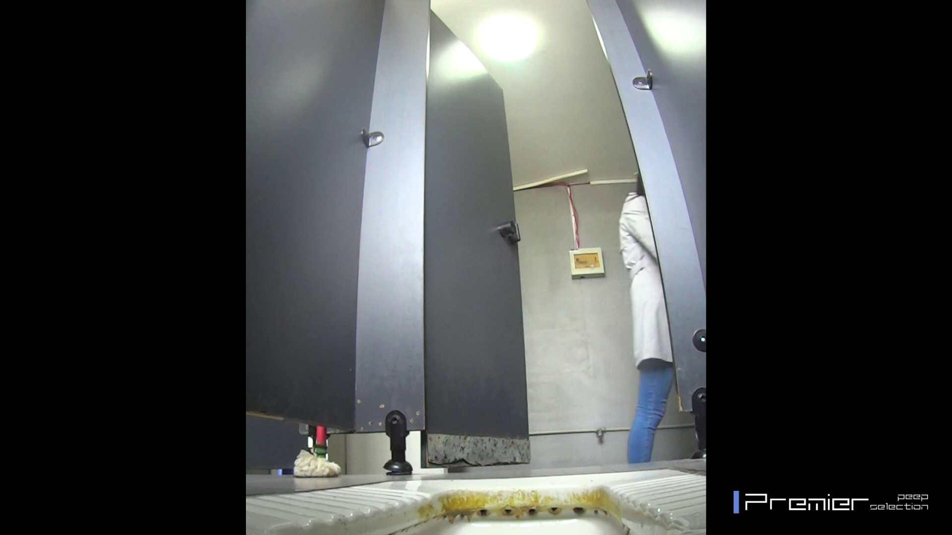 高画質で見る美女達の洗面所 大学休憩時間の洗面所事情14 盗撮大放出 オメコ動画キャプチャ 43連発 23