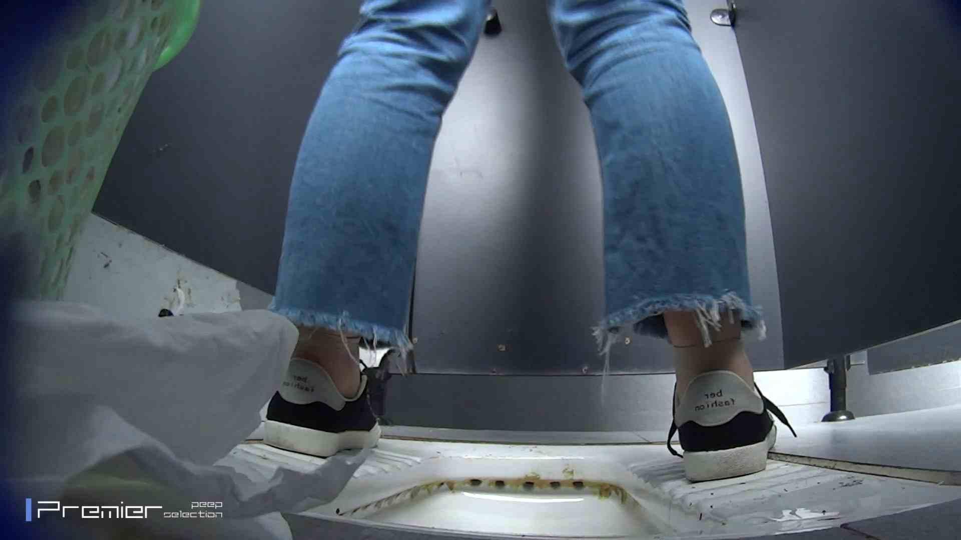 滴り落ちる聖水 大学休憩時間の洗面所事情42 0 | 0  47連発 1