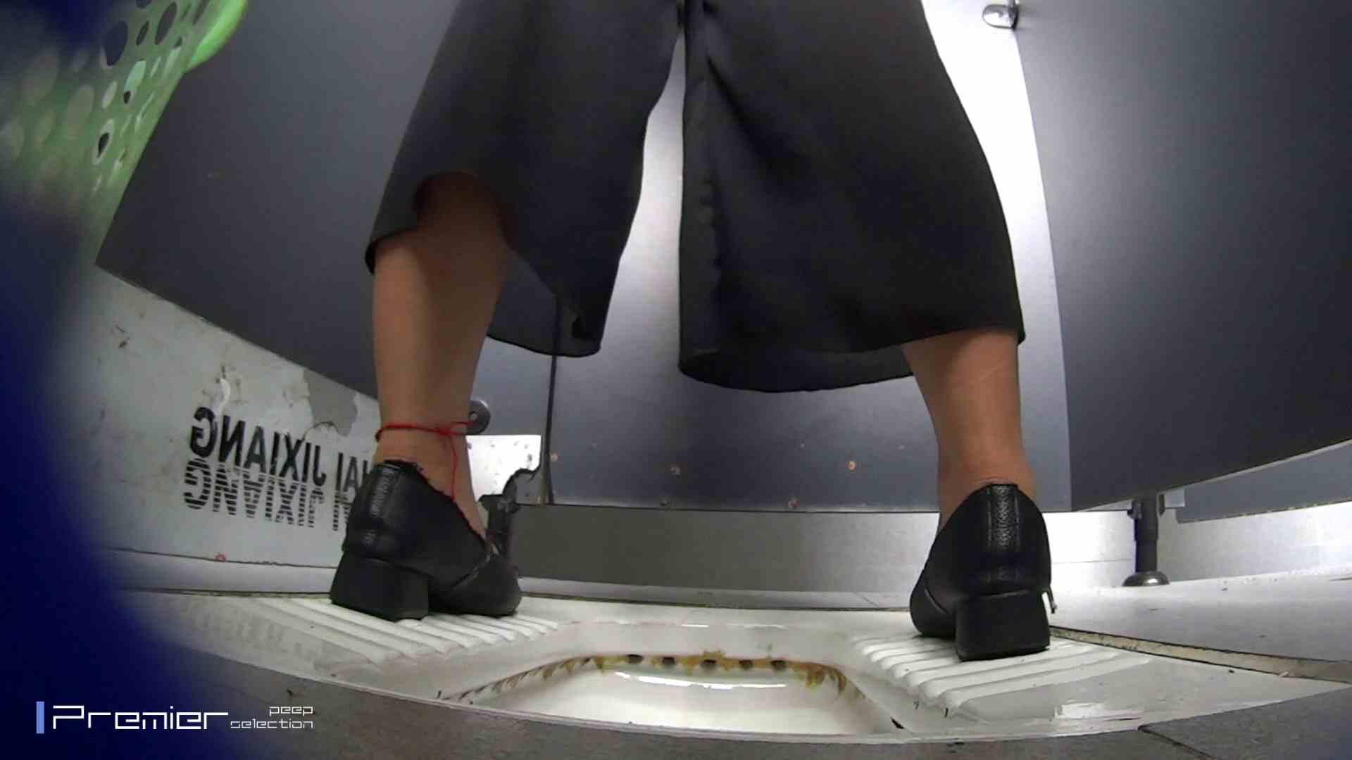 夏全開!ハーフパンツのギャル達 大学休憩時間の洗面所事情44 ギャル ヌード画像 60連発 3