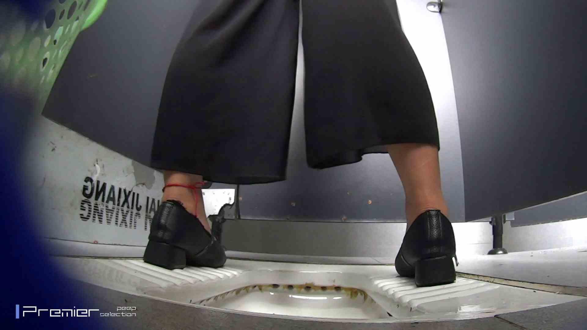 夏全開!ハーフパンツのギャル達 大学休憩時間の洗面所事情44 美女 ヌード画像 60連発 5