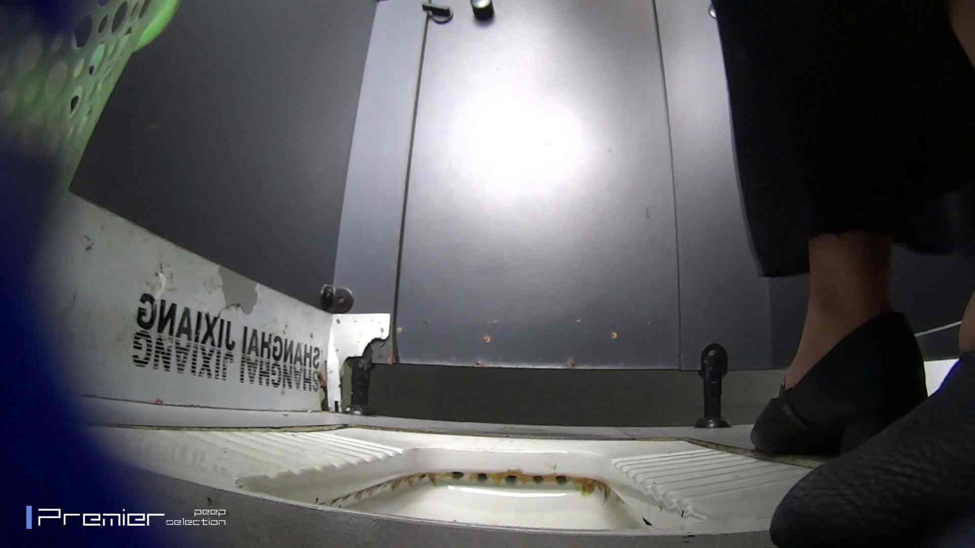 夏全開!ハーフパンツのギャル達 大学休憩時間の洗面所事情44 ギャル ヌード画像 60連発 11