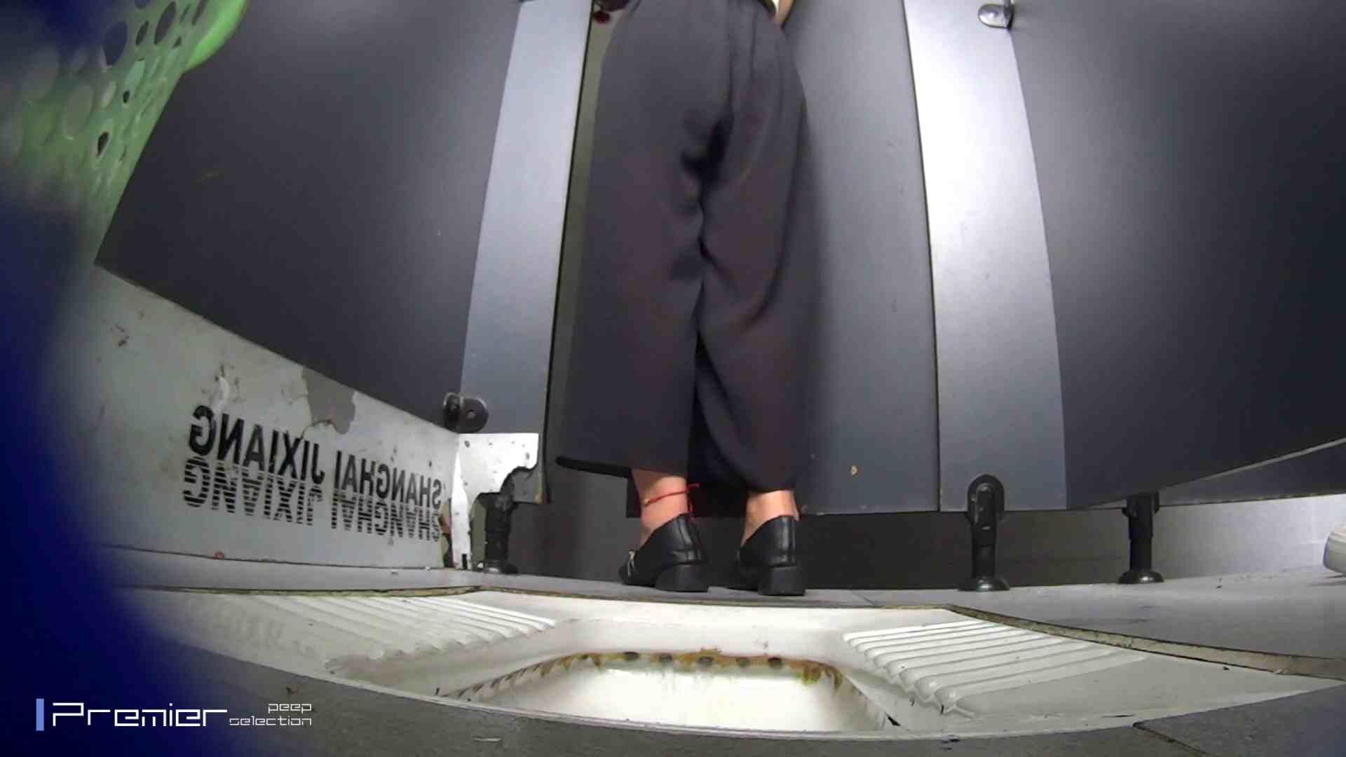 夏全開!ハーフパンツのギャル達 大学休憩時間の洗面所事情44 美女 ヌード画像 60連発 13