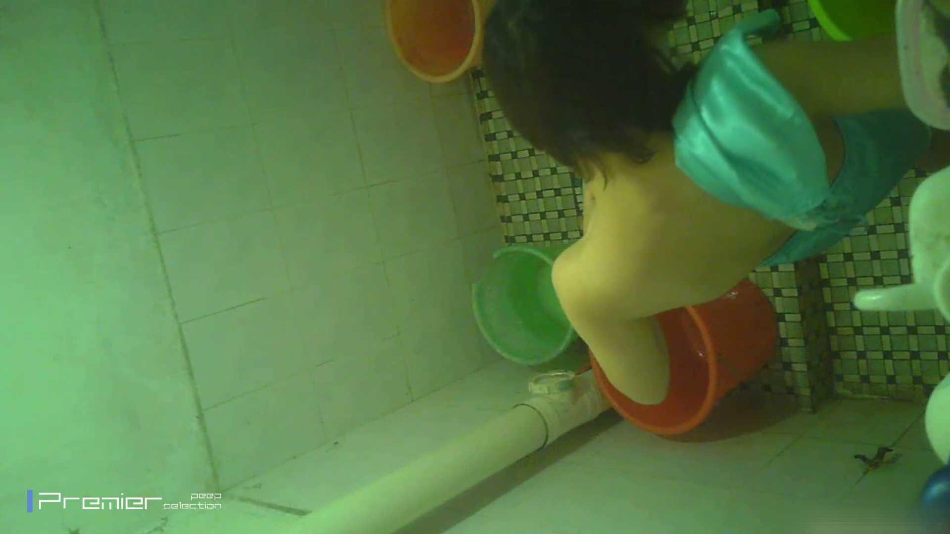 美女の痴態に密着!洗面所で体を洗う!絶世の美女 Vol.06 チラ 戯れ無修正画像 86連発 86
