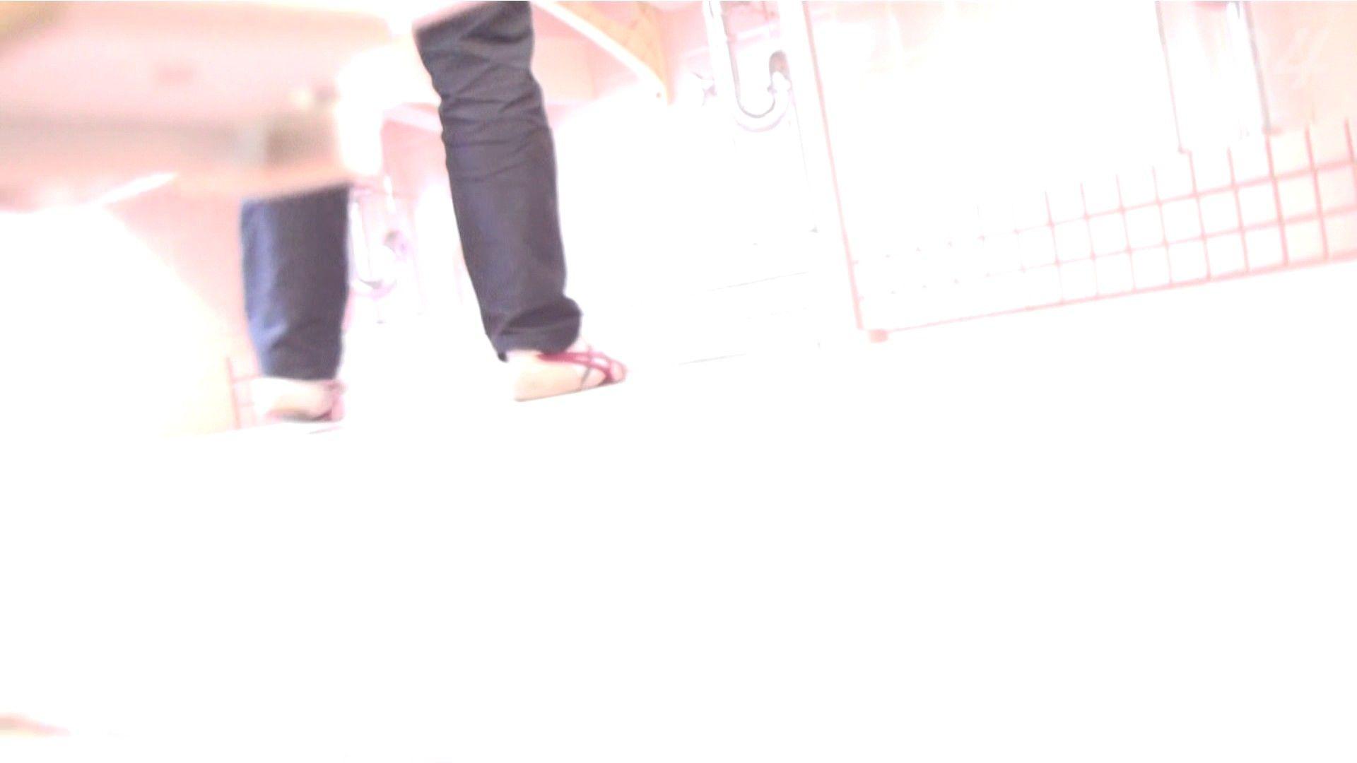 ※100個限定販売 至高下半身盗撮-プレミアム-【体育館編】VOL.4 0 | 期間限定  36連発 1