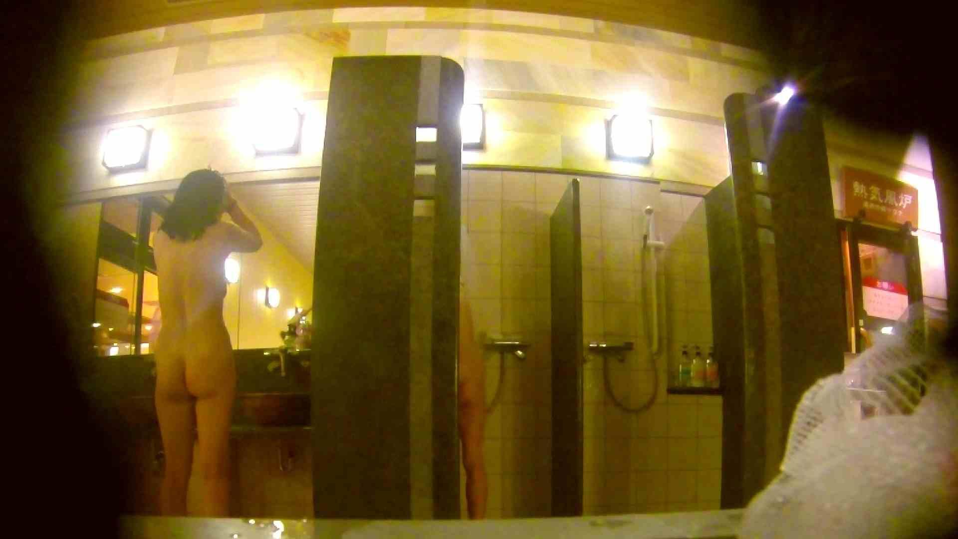 オムニバス!洗い場、通路など色々な裸体が見れてお得です。 銭湯 スケベ動画紹介 89連発 4