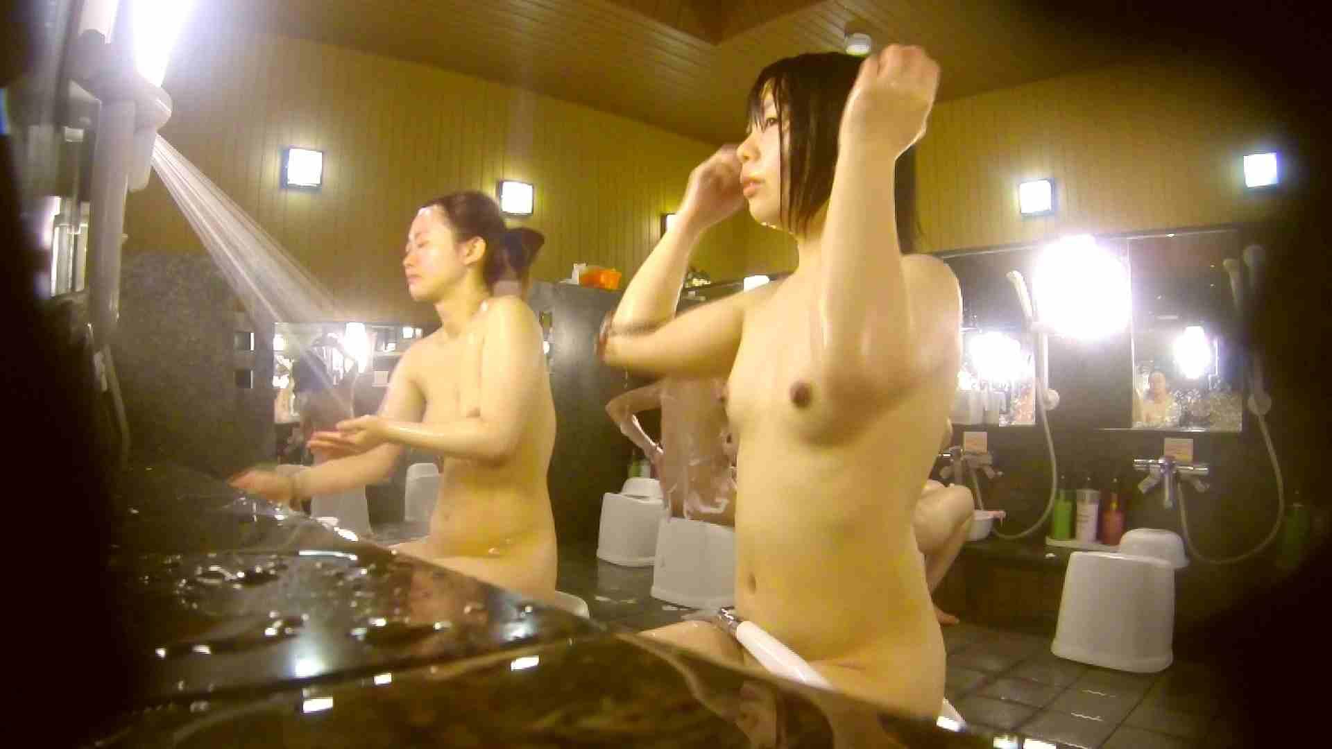 オムニバス!洗い場、通路など色々な裸体が見れてお得です。 0   0  89連発 21