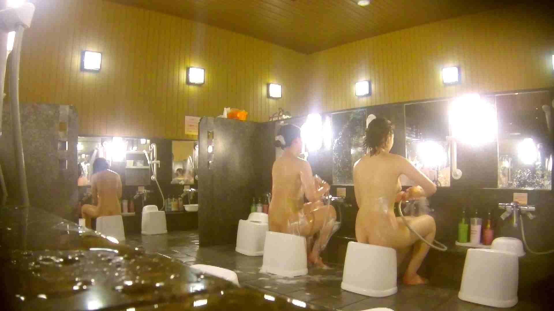 オムニバス!洗い場、通路など色々な裸体が見れてお得です。 0  89連発 35