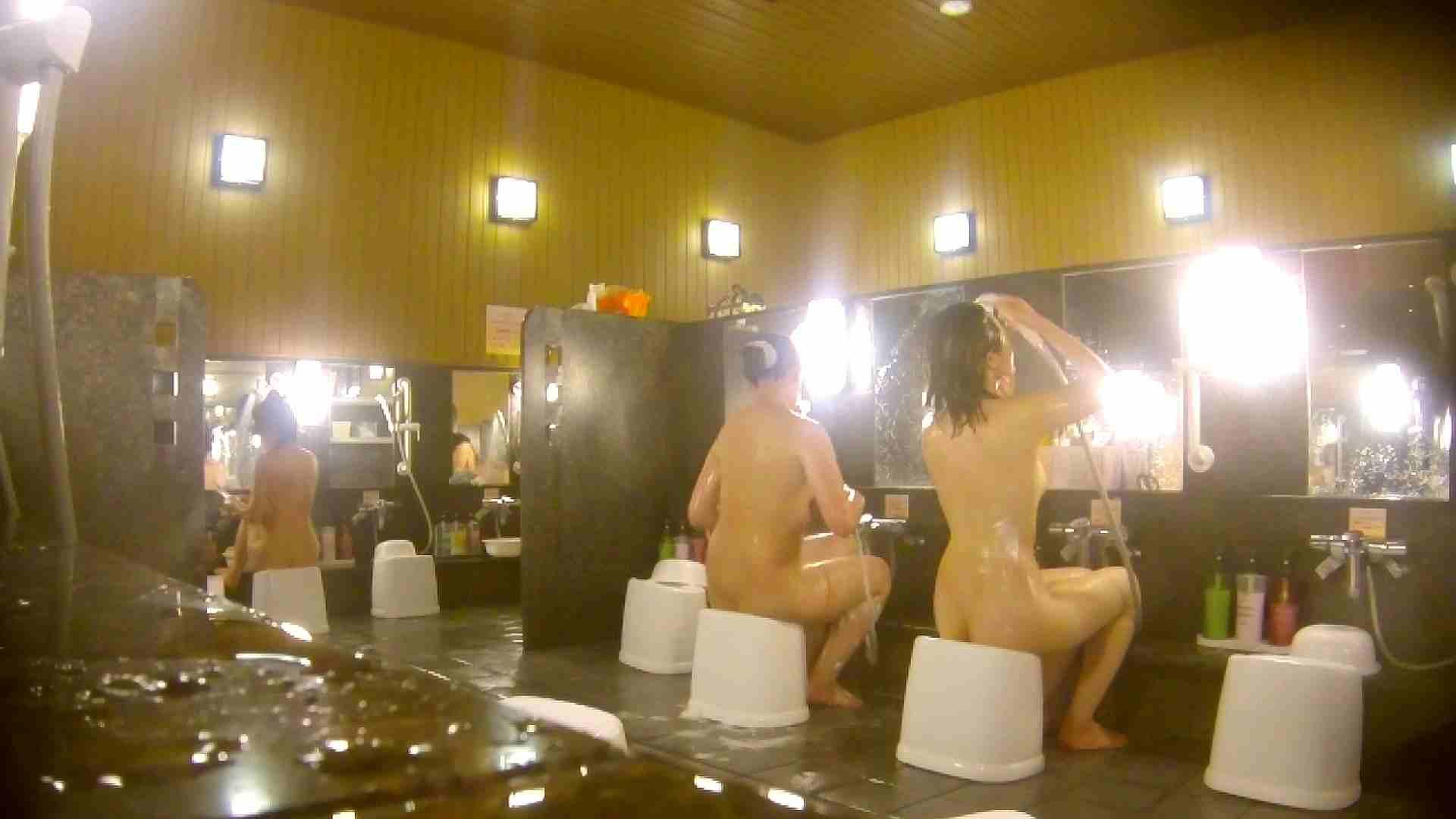 オムニバス!洗い場、通路など色々な裸体が見れてお得です。 潜入 濡れ場動画紹介 89連発 37