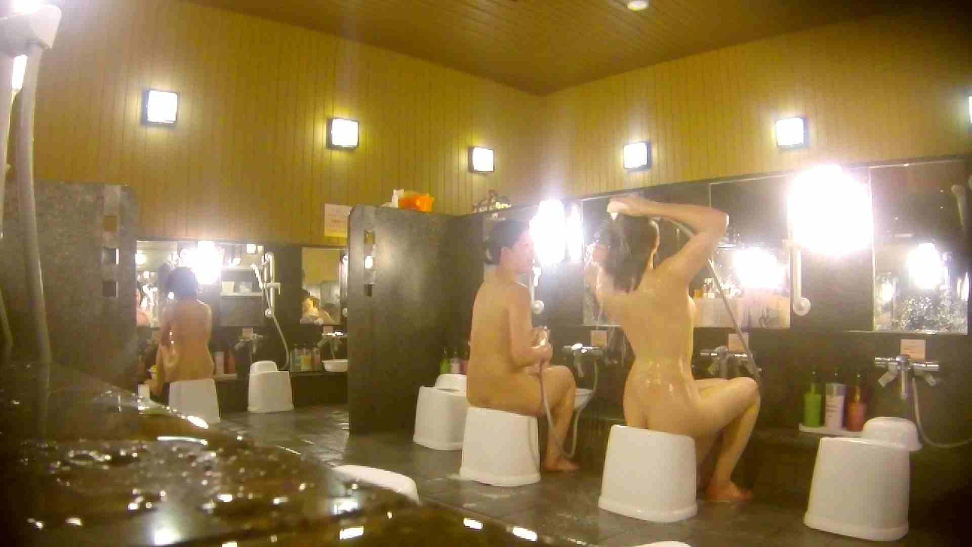 オムニバス!洗い場、通路など色々な裸体が見れてお得です。 潜入 濡れ場動画紹介 89連発 42
