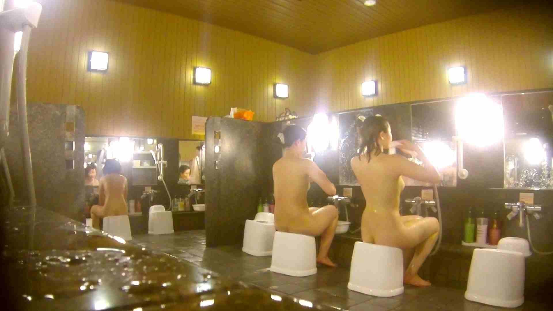 オムニバス!洗い場、通路など色々な裸体が見れてお得です。 0  89連発 45