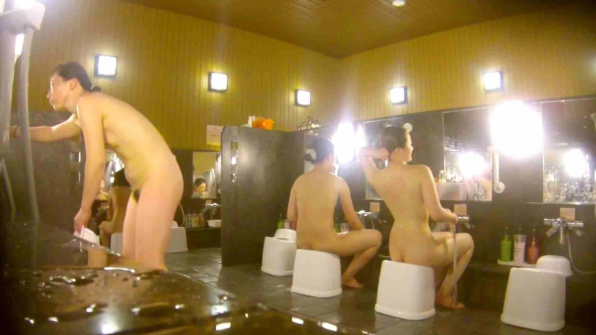オムニバス!洗い場、通路など色々な裸体が見れてお得です。 潜入 濡れ場動画紹介 89連発 47