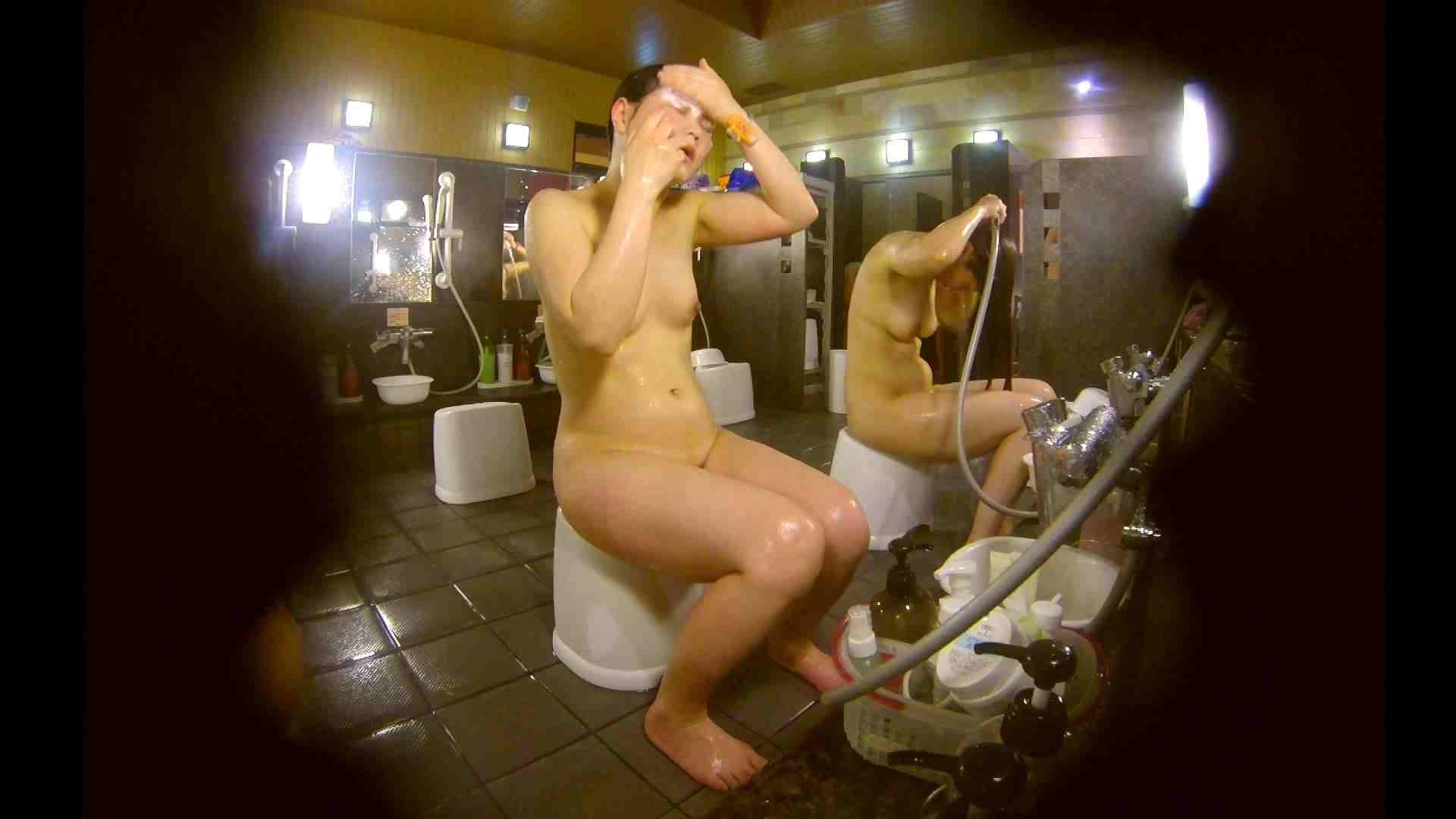 オムニバス!洗い場、通路など色々な裸体が見れてお得です。 潜入 濡れ場動画紹介 89連発 52