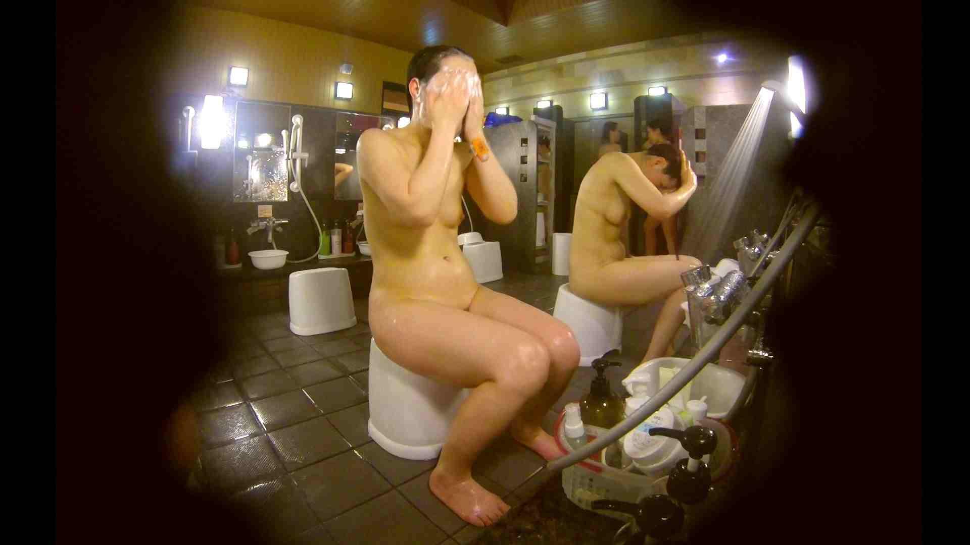 オムニバス!洗い場、通路など色々な裸体が見れてお得です。 0   0  89連発 56