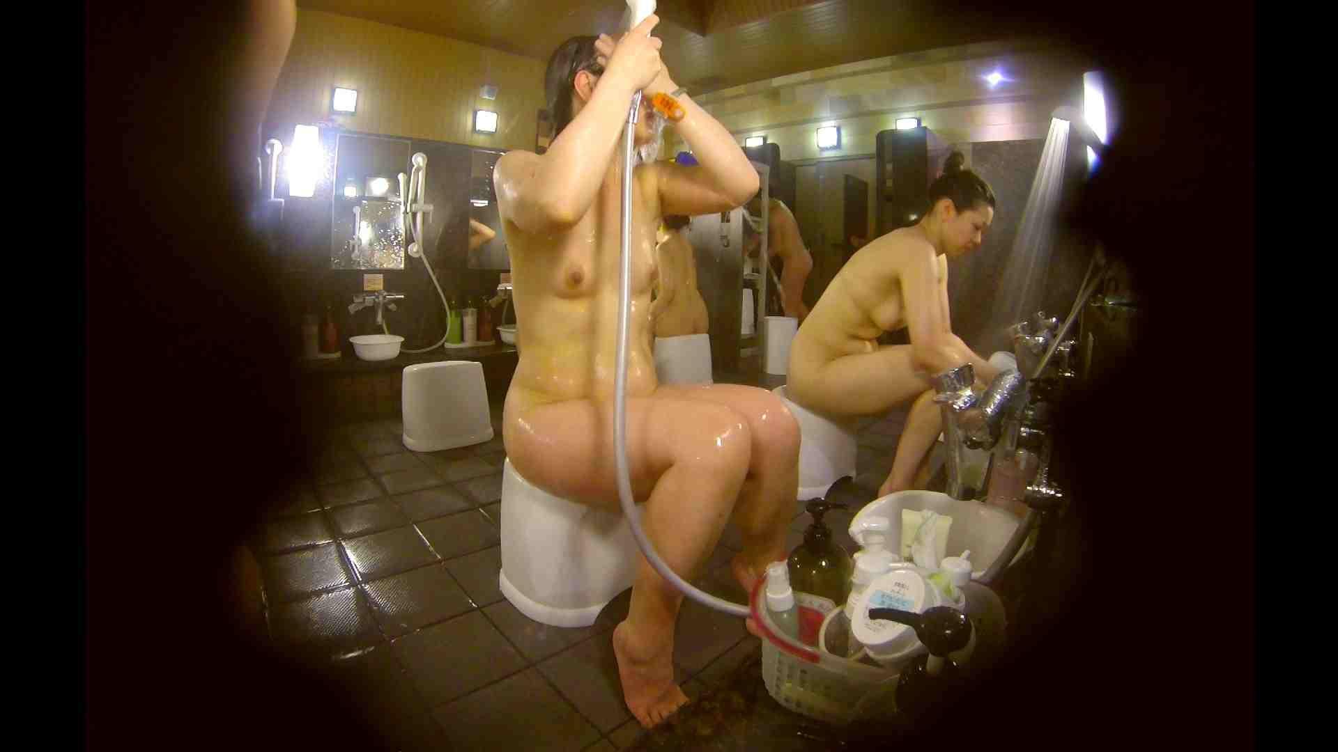 オムニバス!洗い場、通路など色々な裸体が見れてお得です。 潜入 濡れ場動画紹介 89連発 67