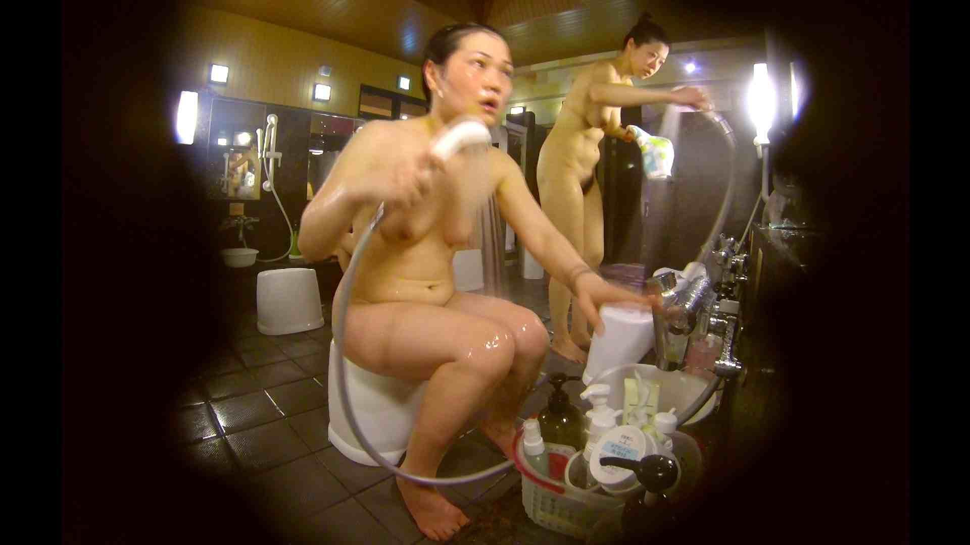オムニバス!洗い場、通路など色々な裸体が見れてお得です。 裸体 ワレメ動画紹介 89連発 78