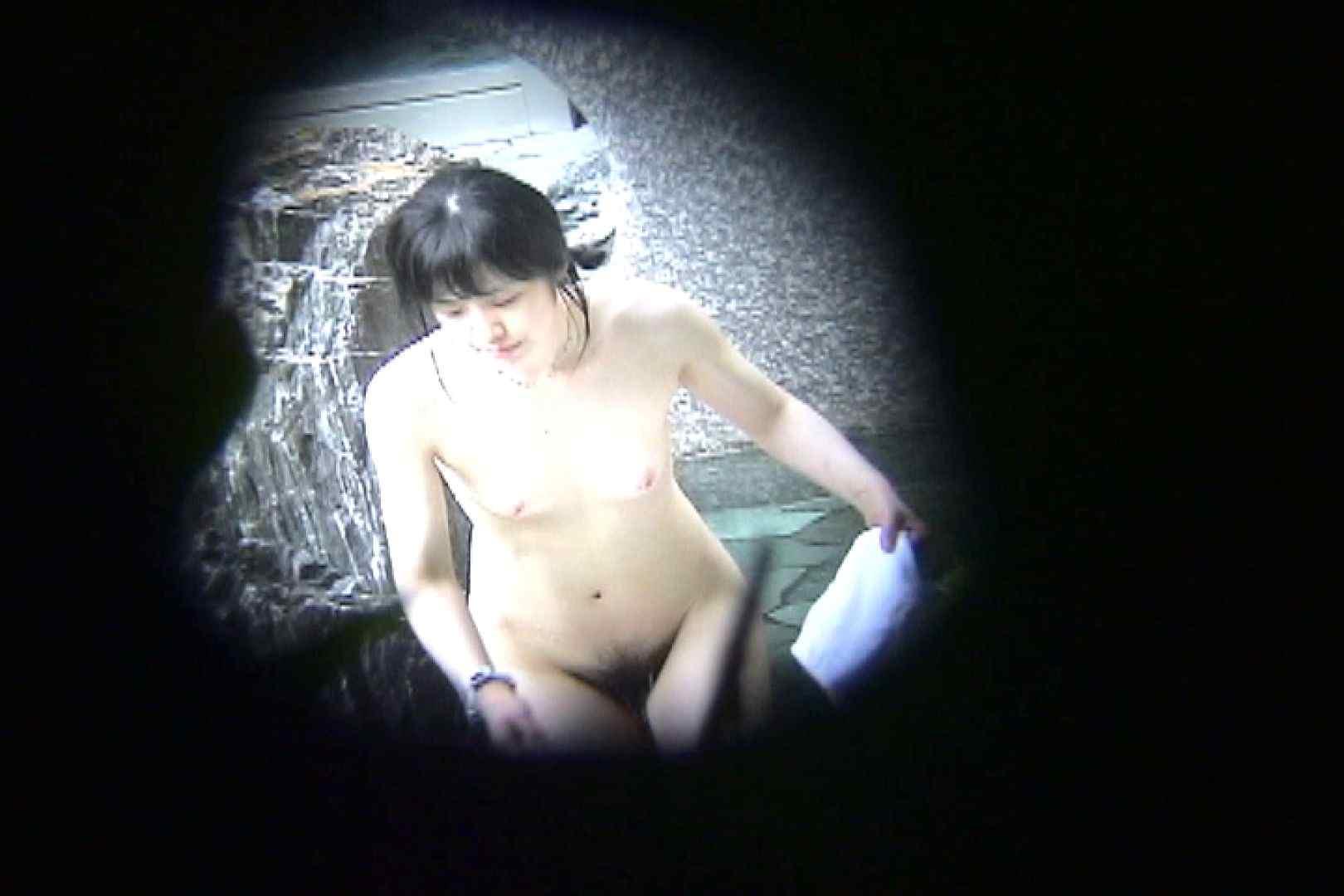 No.11 オトナな女は全裸で裸姿森林浴 美女 エロ無料画像 31連発 8