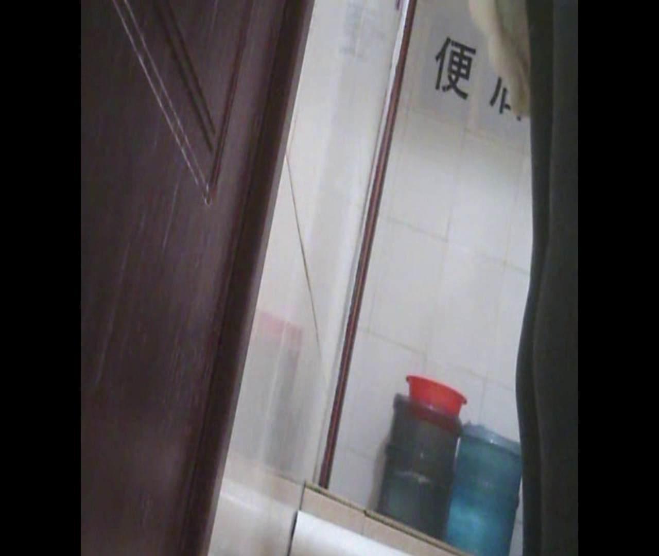 Vol.03 黒縁メガネが似合ってます。 洗面所 濡れ場動画紹介 19連発 6
