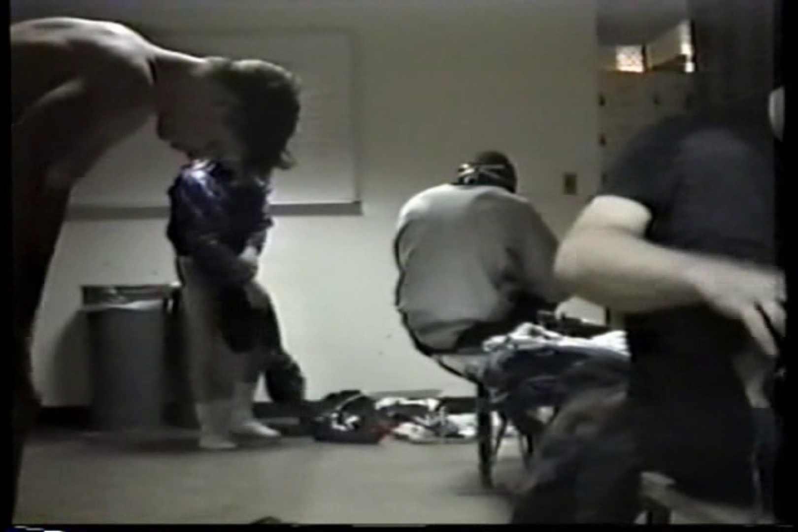 無修正セックス盗撮:洋人さんの脱衣所を覗いてみました。VOL.1:完全無修正