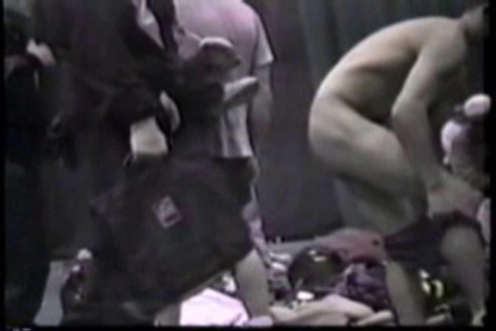無修正セックス盗撮:洋人さんの脱衣所を覗いてみました。VOL.6:男
