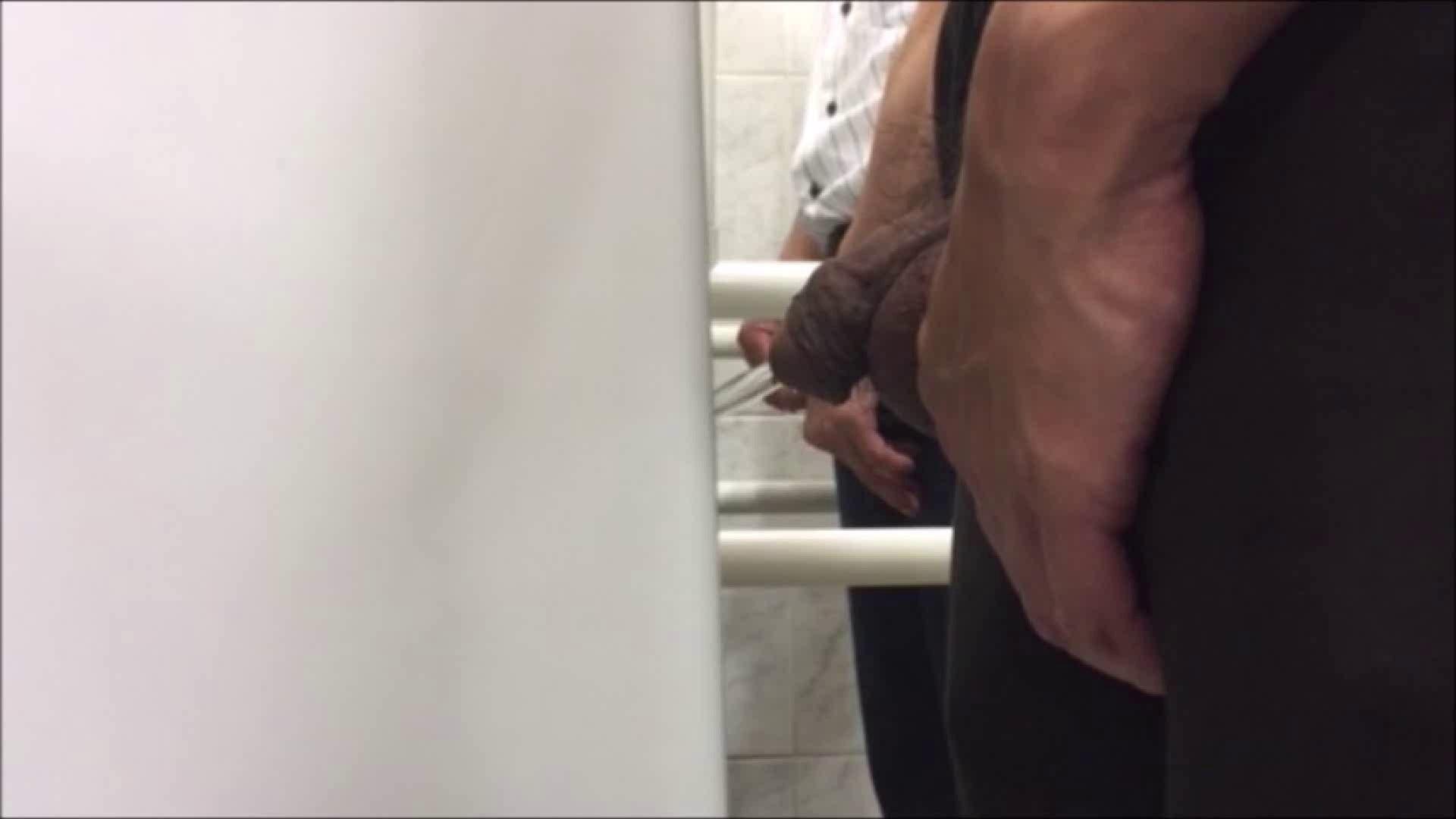 無修正セックス盗撮:すみませんが覗かせてください Vol.12:放尿