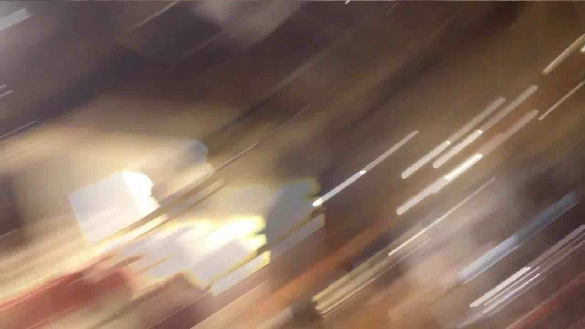 vol.34 美人アパレル胸チラ&パンチラ メガネ属性っていいよね♥ パンチラ 女性器鑑賞 48連発 39