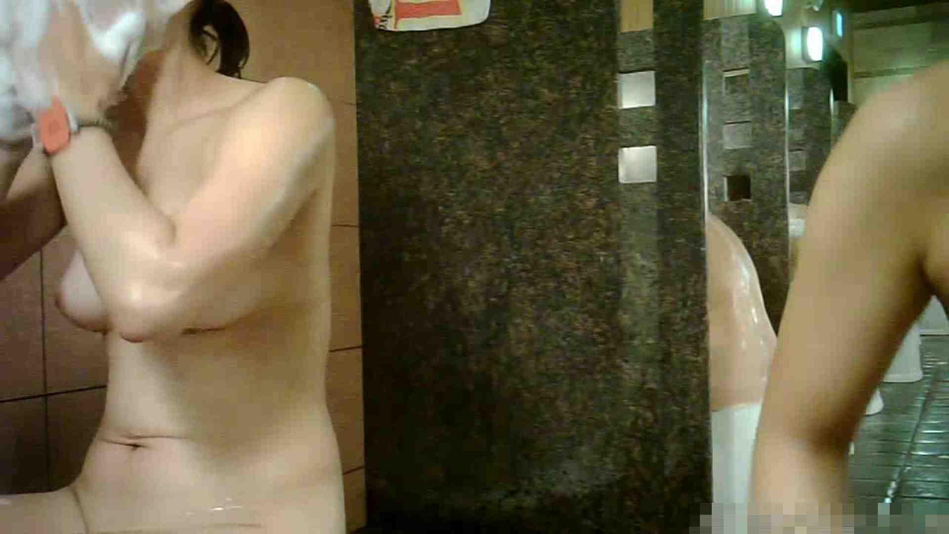 手を染めてしまった女性盗撮師の女風呂潜入記 vol.001 脱衣所 おめこ無修正動画無料 95連発 93