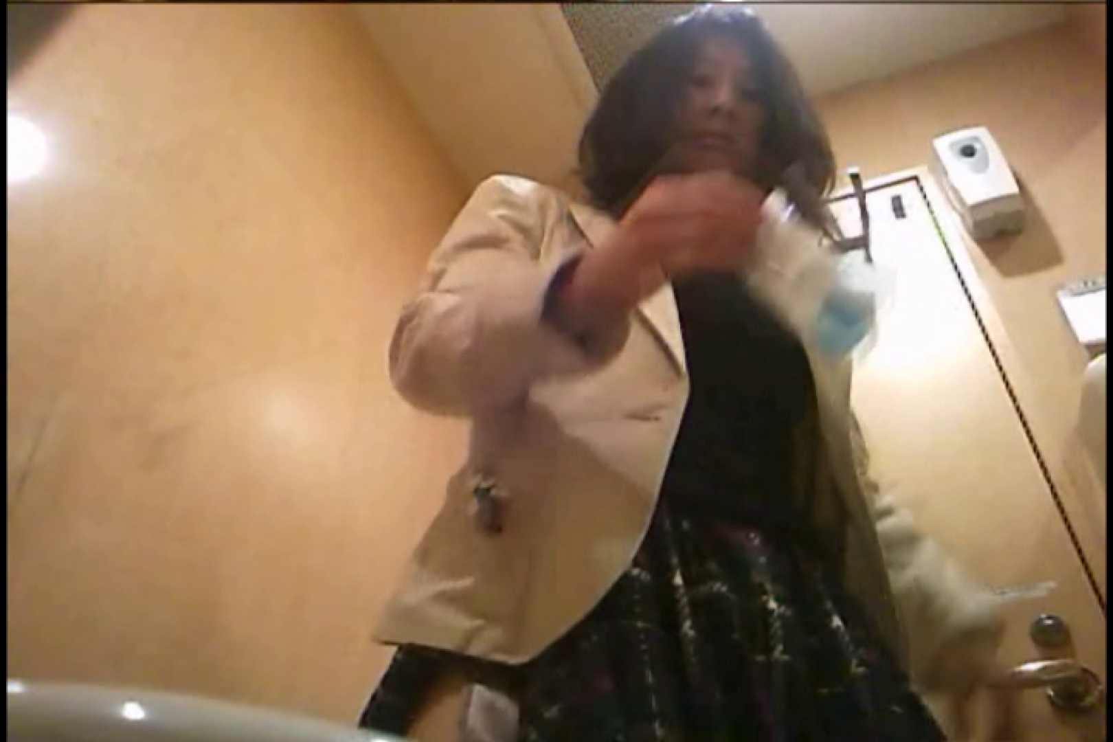 潜入!!女子化粧室盗撮~絶対見られたくない時間~vo,98 0  38連発 7