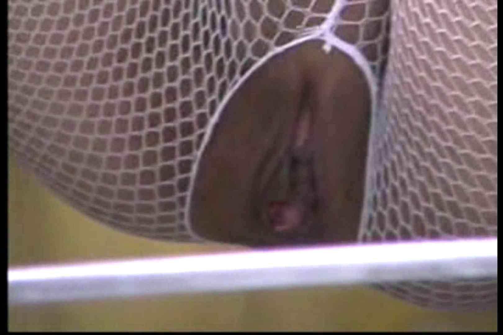 美熟女の野外露出プレイ2 いやらしい熟女 盗撮動画紹介 83連発 82