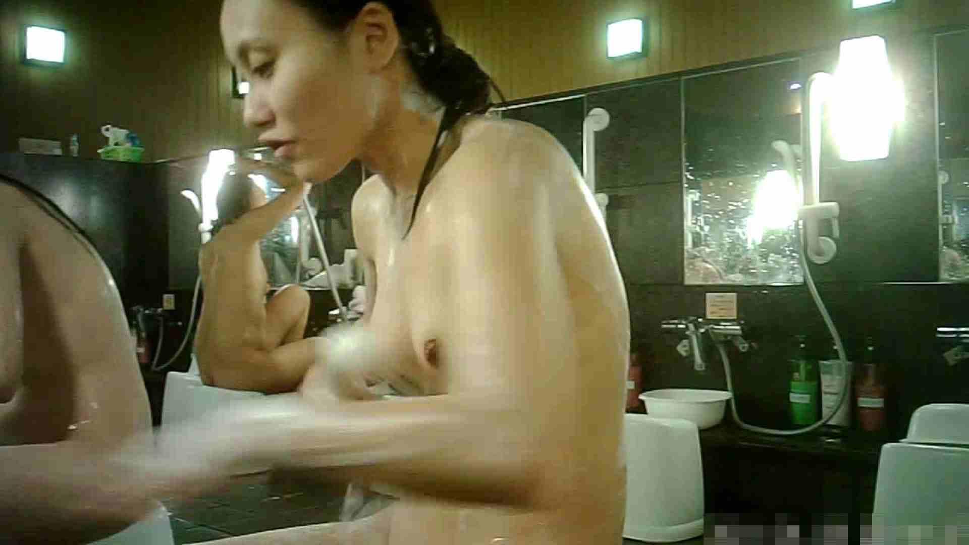 手を染めてしまった女性盗撮師の女風呂潜入記 vol.003 脱衣所 盗み撮り動画 58連発 29