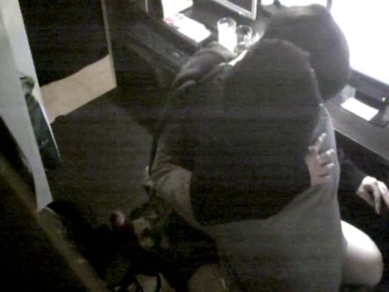 インターネットカフェの中で起こっている出来事 vol.011 いやらしいOL  38連発 28