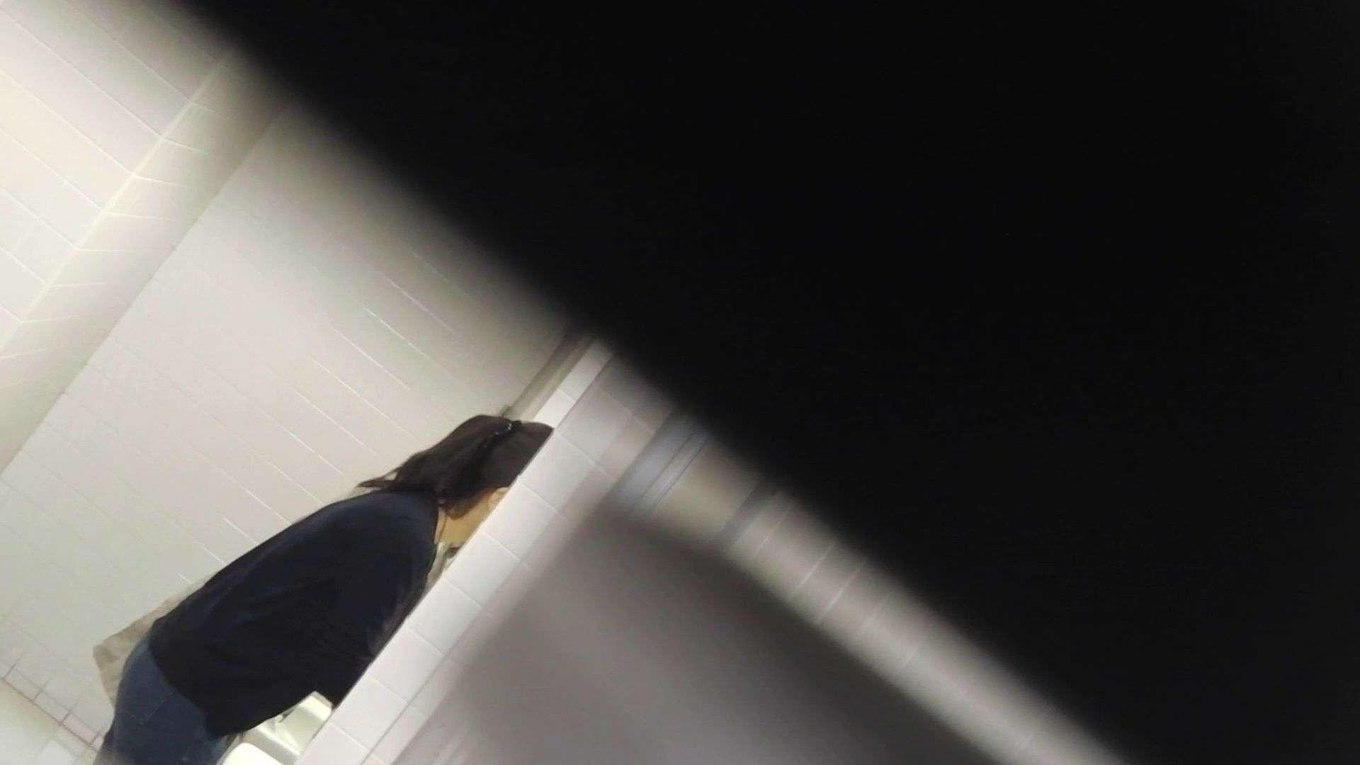 vol.11 命がけ潜伏洗面所! 多い日は大変です。 プライベート 女性器鑑賞 54連発 41